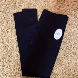 NWT Women's Soma black slimming leggings!